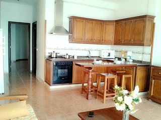 Spacious apartment in the center of El Pueblo with Parking, Internet, Washing ma