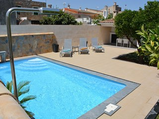Spacious villa in Binissalem with Internet, Washing machine, Pool, Terrace
