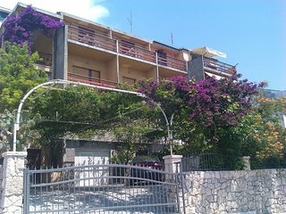 Spacious apartment in the center of Makarska with Parking, Internet, Washing mac