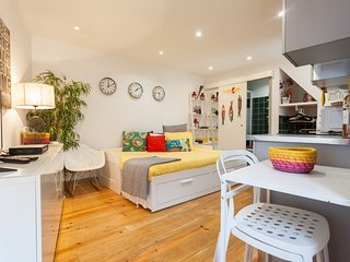 Cozy apartment in the center of Lisbon with Internet