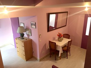 Cozy house in the center of La Calmette with Internet, Washing machine, Air cond