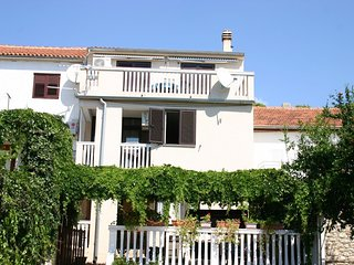 Spacious apartment in Tisno with Parking, Internet, Washing machine, Air conditi