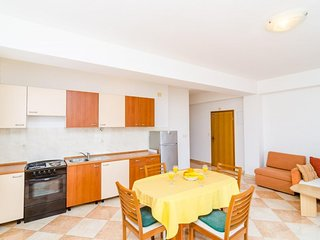 Spacious apartment in Zvekovica with Parking, Internet, Washing machine, Air con