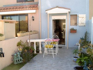 Cozy house in Leucate with Parking, Washing machine, Garden, Terrace