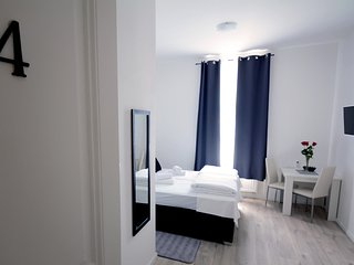 Cozy room close to the center of Zagreb with Internet, Air conditioning