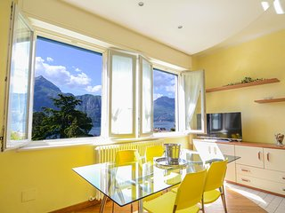 Spacious apartment in the center of Bellagio with Parking, Internet, Air conditi