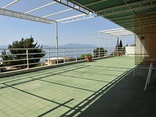 Cozy apartment in the center of Gradac with Parking, Internet, Balcony