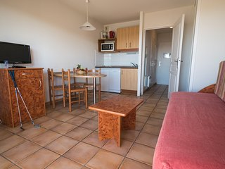 Cosy studio very close to the centre of Ciboure with Parking, Balcony, Terrace