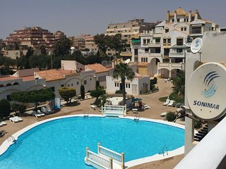 Spacious apartment close to the center of Roquetas de Mar with Lift, Washing mac