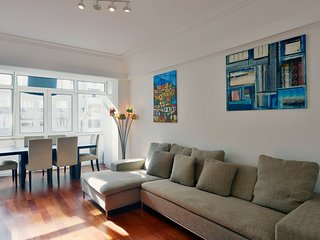 Spacious apartment in Lisbon with Lift, Internet, Washing machine
