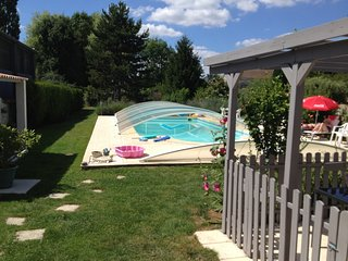Cosy studio in the center of Saint-Jean-d'Angely with Parking, Internet, Washing