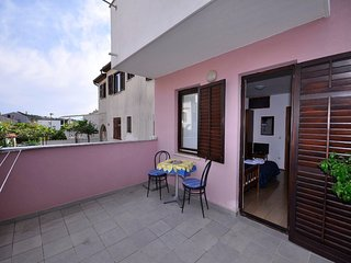 Cozy apartment in Pula with Internet, Washing machine, Air conditioning, Balcony