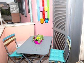 Spacious apartment close to the center of Capannori with Parking, Internet, Wash