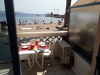Cozy apartment in the center of Theoule-sur-Mer with Parking, Internet, Washing