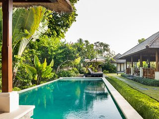 Villa Santi - Spacious 4 BedRooms Villa at Seminyak