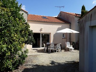 Cozy house in the center of Châtelaillon-Plage with Parking, Washing machine, Ga