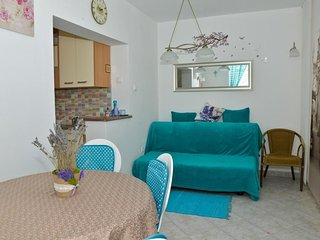 Cosy studio very close to the centre of Zadar with Parking, Internet, Washing ma