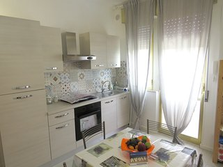 Cozy apartment in the center of Avola with Parking, Internet, Air conditioning,