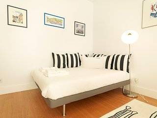 Cosy studio very close to the centre of Lisbon with Lift, Internet