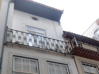 Spacious house close to the center of Coimbra with Internet, Washing machine