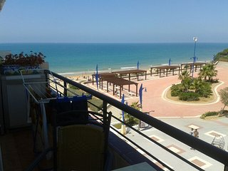 Spacious apartment right near the 'Playa de La Barrosa' in Chiclana de la Fronte