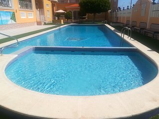 Spacious apartment in the center of Los Alcazares with Parking, Internet, Washin