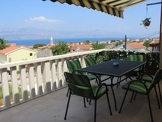Spacious apartment in the center of Supetar with Internet, Washing machine, Balc