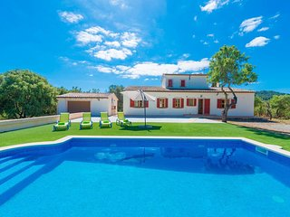 Spacious villa in Son Servera with Parking, Internet, Washing machine, Pool