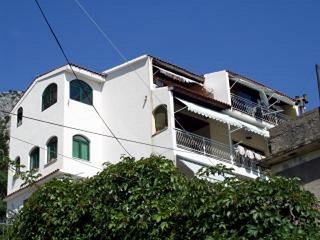 Spacious apartment in the center of Omis with Parking, Internet, Washing machine