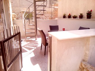 Cozy apartment in the center of Kastel Luksic with Parking, Internet, Air condit