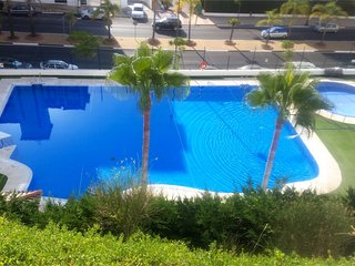 Spacious apartment a short walk away (450 m) from the 'Playa del Cristo' in Este