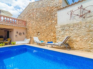 Cozy house in Llubí with Internet, Washing machine, Air conditioning, Pool