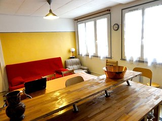 Spacious apartment in the center of La Bourboule with Parking, Internet, Garden