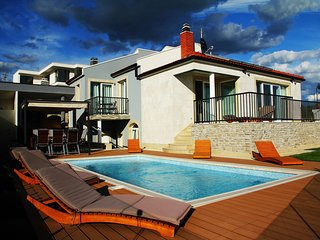 Spacious villa close to the center of Primosten with Parking, Internet, Washing
