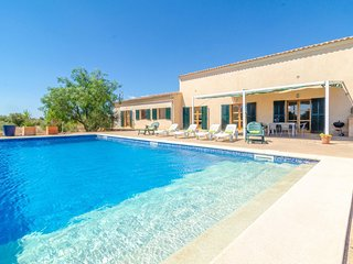Spacious villa in Porreres with Parking, Internet, Washing machine, Pool