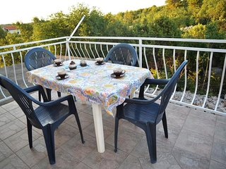 Spacious apartment in Sibenik with Parking, Balcony, Terrace