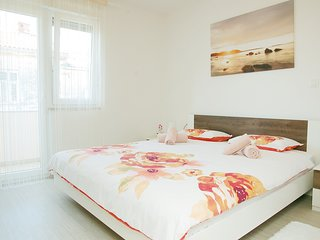 Cozy apartment in the center of Pula with Parking, Internet, Washing machine, Ai