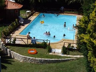 Cozy house in Carvoeira with Parking, Internet, Washing machine, Pool