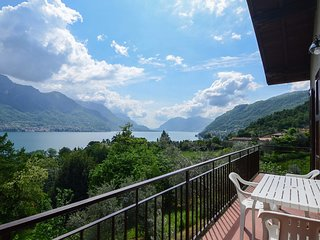 Cozy apartment very close to the centre of Bellagio with Parking, Internet, Wash
