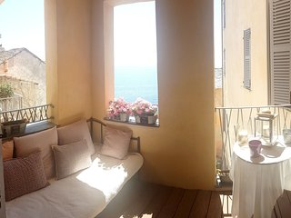Spacious apartment in the center of Bastia with Lift, Parking, Internet, Washing