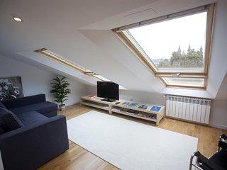 Spacious apartment in the center of Santiago de Compostela with Lift, Internet,