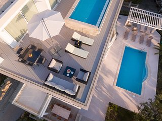 Villa 01 - Apartment 5 With Private Pool (4+2, 3. Floor)