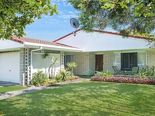 35 Nelson Street Golden Beach,  QLD