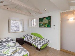 Apartments & Rooms Kerigma - Standard Studio (Olivia Green)