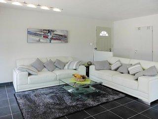Villa Bonheur - Ferienhaus mit eigenem Pool