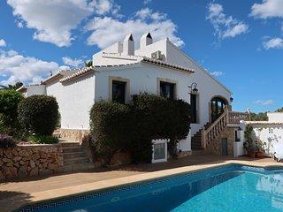 Prachtige villa voor 10 personen met privé zwembad en zeezicht