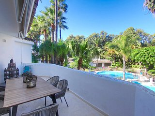 1088 Beachfront Triplex Penthouse 40 meters from the beach 3 pools