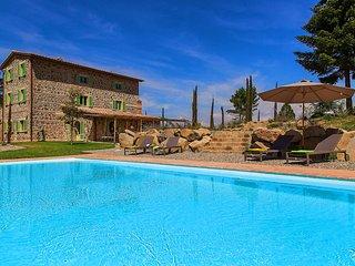 Luxury Unique Villa Poggio Fibbia in Val D Orcia Tuscany