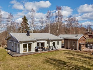 Luxurious home with sauna+WLan, near Lake Vattern