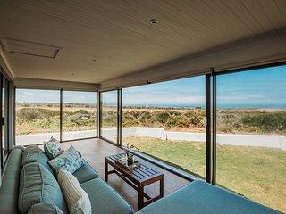 Voir la Mer - Grotto Bay Beach House